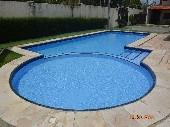 24) piscina