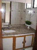 19) Suíte 2 - WC - Armários