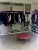 24) closte suite master