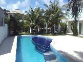28) piscina