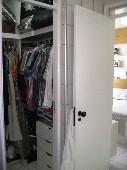 12) Suíte 1 - Closet