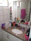 17) Suíte 2 - WC - Armários