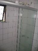 16) Suíte - WC - Blindex