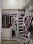 10) Suíte 1 - Closet