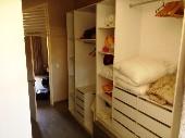 25) closet