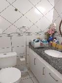 12) Suíte 1 - WC - Armários