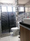 07) Suíte - WC - Blindex - Pastilhas