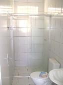 11) Suíte - WC - Blindex