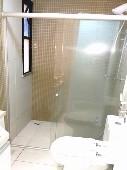 12) Suíte - WC - Blindex - Pastilhas