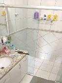 12) Suíte 1 - WC - Armários - Blindex.jpg