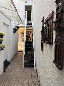 28) Corredor - Escada (acesso Depósito-Almoxarifado).jpg