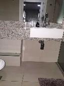 16) Suíte - WC - Blindex.jpg