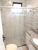 15) Suíte 1 - WC - Armários - Blindex.jpg