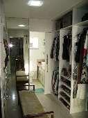 13) Suíte 1 - Closet