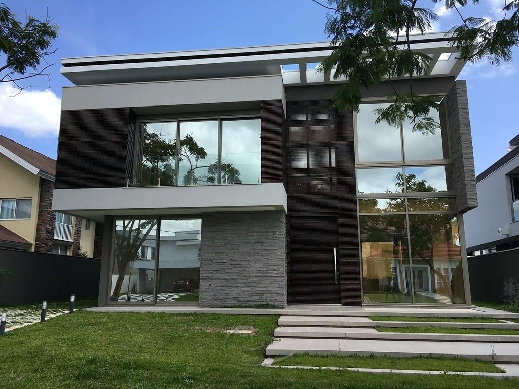 Residência de 530m² no Alphaville, Rua Grajaú 272