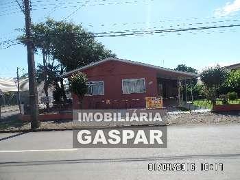 CASA COM TERRENO CENTRAL, ÓTIMO PARA INVESTIDOR..