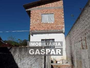 CASA EM MADEIRA E SOBRADO EM CONSTRUÇÃO...