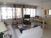 Apartamento em Pitangueiras a uma quadra do mar