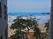2 dormitórios (1 suíte)  frente ao mar