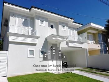 Maravilhosa casa em Condomínio fechado
