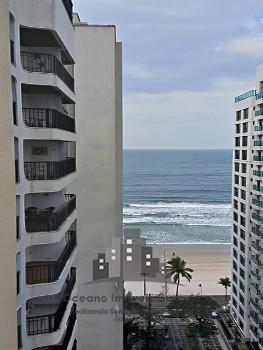 Amplo apartamento com vista para o mar