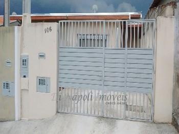 Linda Casa com 2 quartos (1 suíte) !