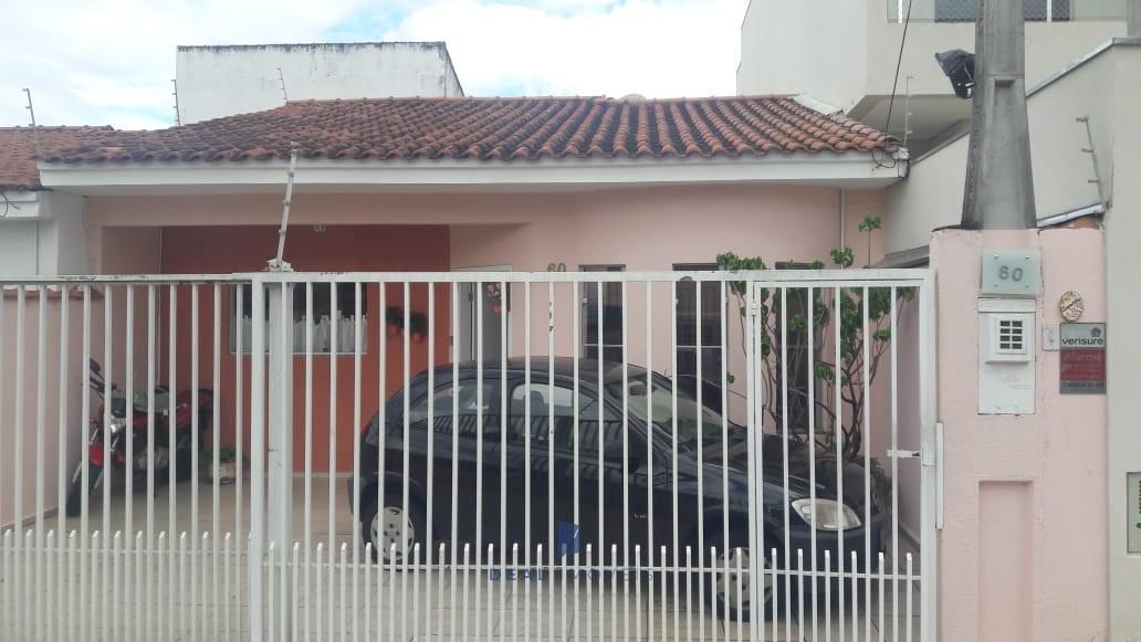 Casa Térrea com 3 dormitórios Wanel Ville