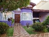Casa térrea 3 dts quintal venda Cond Ibiti do Paço