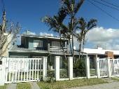 Casa alto padrão, apenas 200 metros do mar!