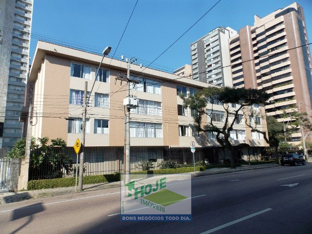 Apartamento no Batel 03 quartos Castro Alves/ Sete
