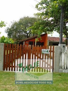 Casa em Gaivotas  02 Quartos :(41)3458-2321