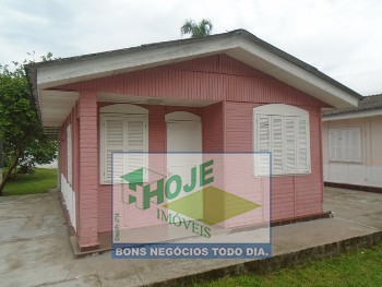 Casa com 02 Quartos em Caiobá (41) 3452-2489