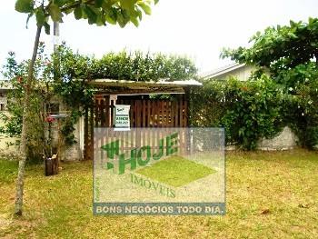 Casa em Gaivotas. 03 Quartos (41) 3458-2321