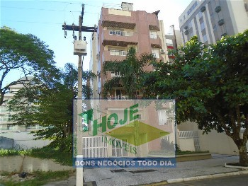 Excelente apartamento uma quadra do mar com vista
