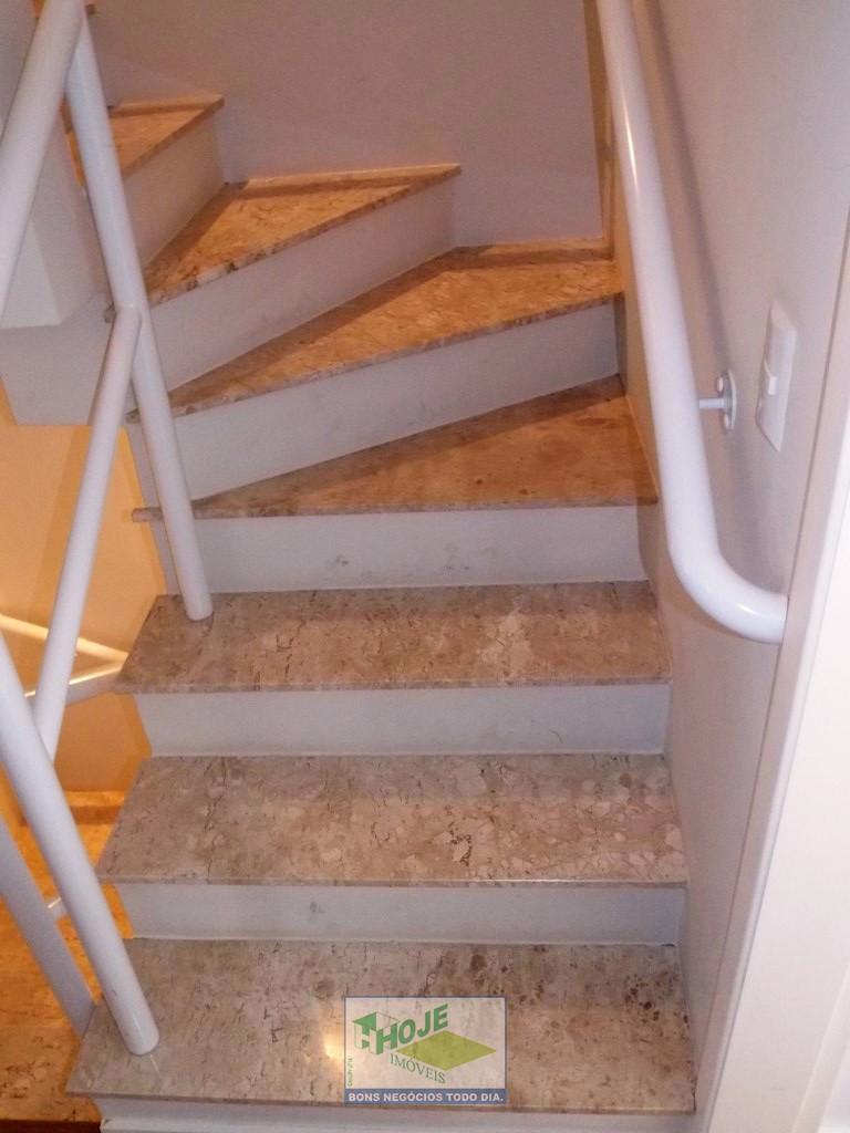 18 - Escadas