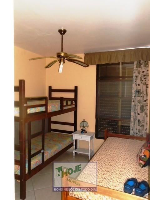 23 Dormitorio