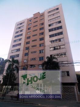 Apartamento no Batel com 03 quartos. 2 vagas!
