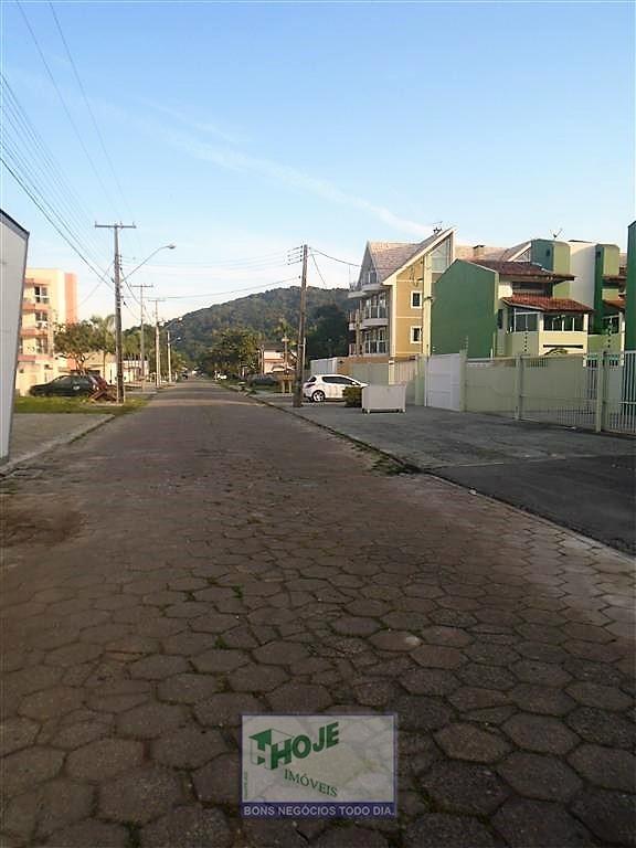 25- Rua