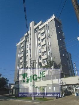 Apartamento com 02 quartos em Matinhos. No centro
