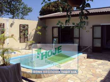 Casa em Gaivotas  04 Quartos :(41)3458-2321