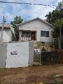 Casa com três dormitórios para locação