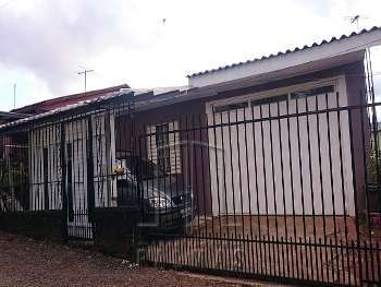 Casa com 2 dormitórios para venda.