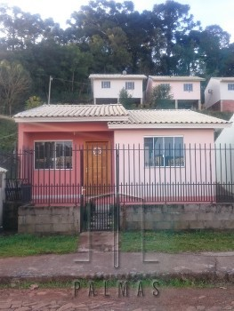 Casa em alvenaria a venda.