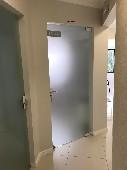 Sala 4 porta e circulação