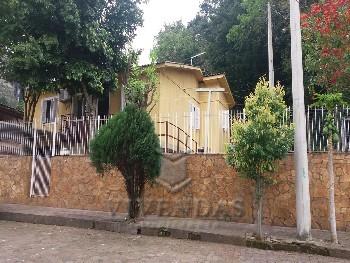 Casa Mista em ótima localização