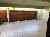 Garagem com várias vagas