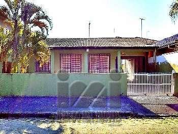 2446IP/ Piscina, Churrasqueira, 03 quartos!!