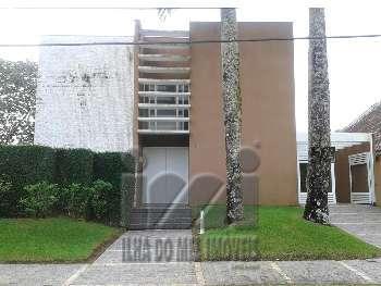 RESIDÊNCIA DE 2 ANDARES, PISCINA, NO ATAMI NORTE