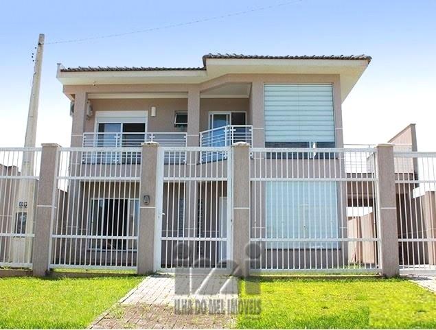 Residência 02 Pavimentos com Piscina no Atami