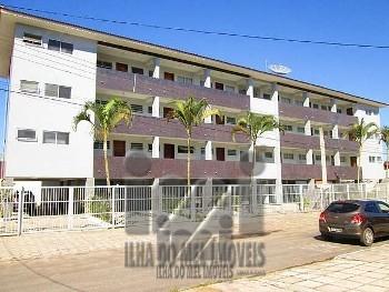 1211IP/ Apartamento 1 quadra do mar Praia de Leste